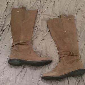 Women's brown leather Merrell waterproof boots 7.5